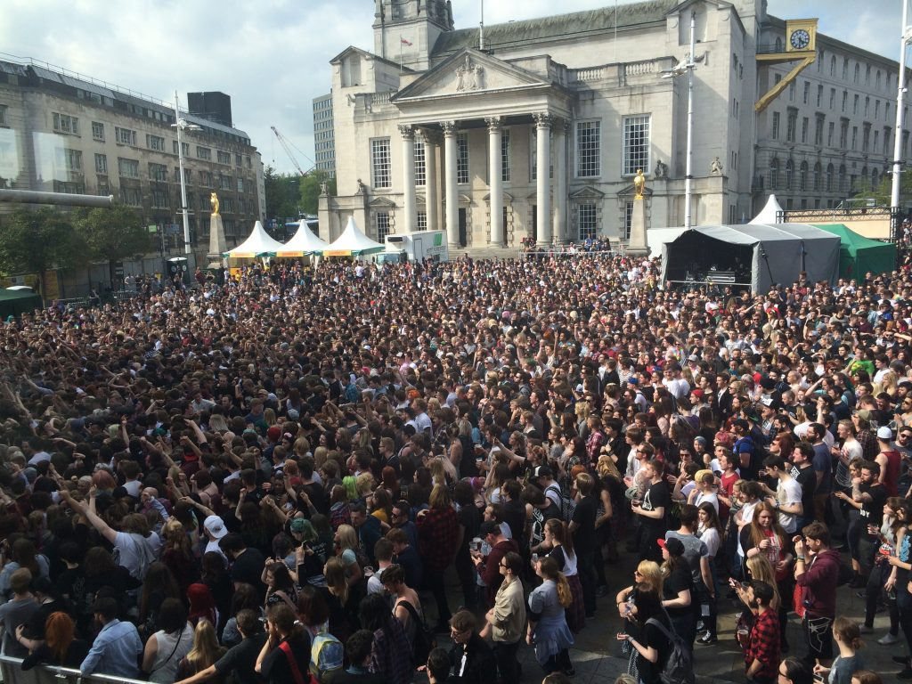 Slam Dunk Crowds