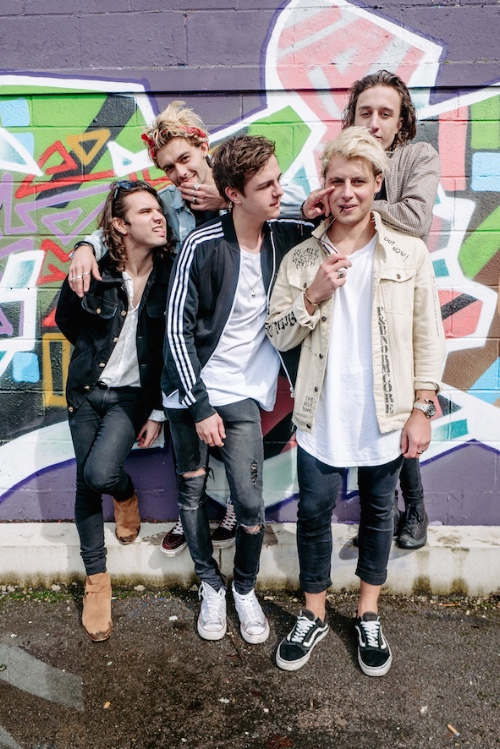TOUR NEWS: :PM & Jacob Sartious to support The Vamps on